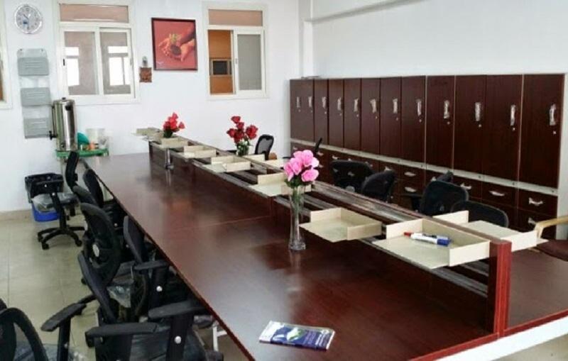 الطيبه : طالبان يقتحمان غرفة المعلمين بمدرستهما ويسرقان امتحان